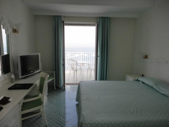 Grand Hotel Riviera: room