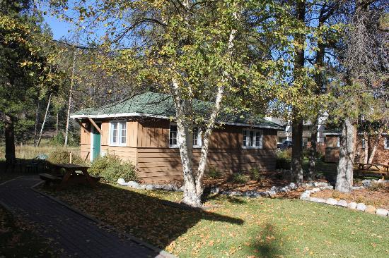 Bear Hill Lodge: smaller cabin
