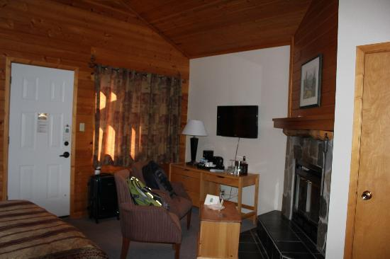 Bear Hill Lodge: Sitting area
