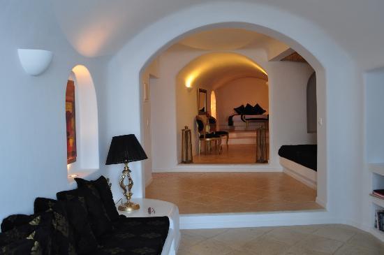 Above Blue Suites: golden echo suite