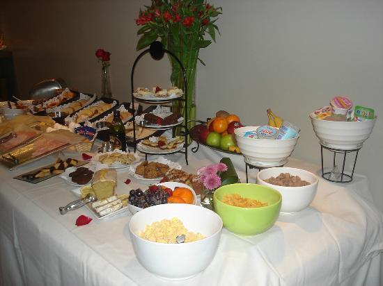 Didi Soho Hotel: Mesa do café da manhã
