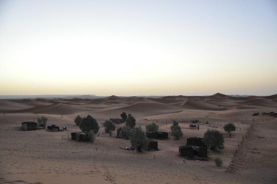 Auberge Africa: the oasis where the bivac happened during the sunrise