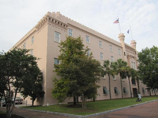 ‪‪Embassy Suites by Hilton Charleston - Historic Charleston‬: Exterior‬