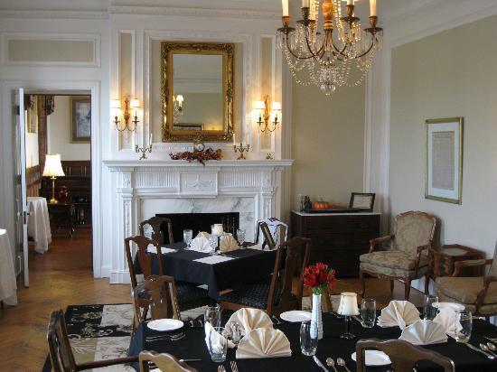 The Georgian Inn Of Somerset Dining Room