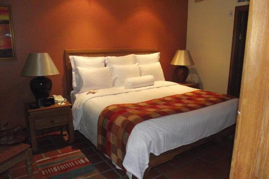Marriott's Phuket Beach Club: Main Bedroom