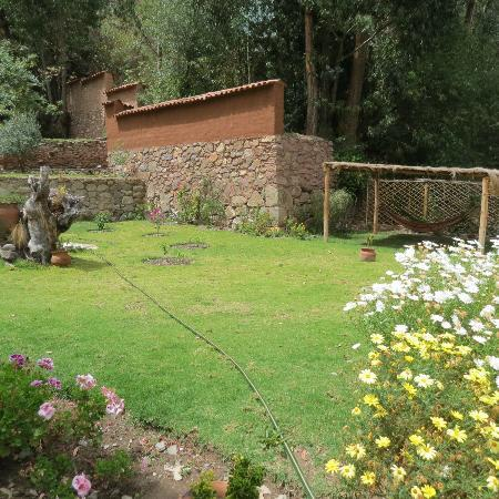 Apu Lodge: Gardens