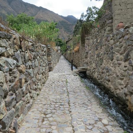 Apu Lodge: Walkway
