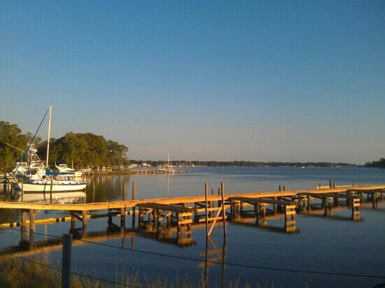 Dockside Oyster Bar & Cafe: Nice view!