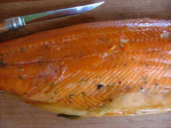41 South Salmon and Ginseng Farm and Cafe: Hot Smoked Salmon Fillet