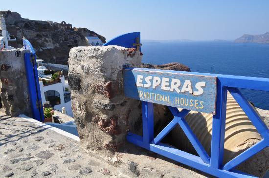 Esperas: hotel entrance