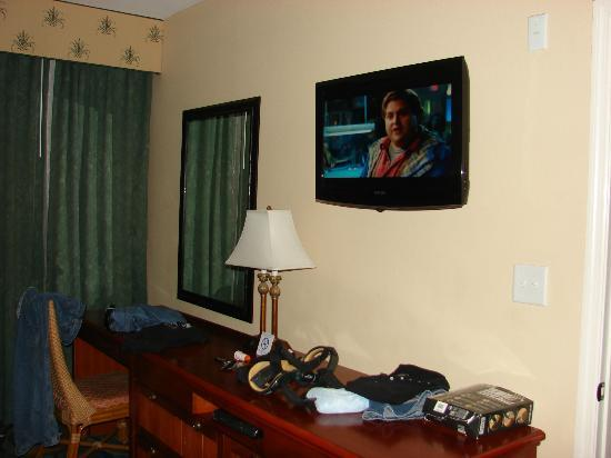 Westgate Myrtle Beach Oceanfront Resort: Flat screen TV in the master bedroom