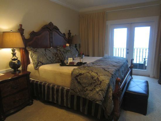 Henderson Park Inn: Corner Suite
