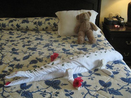 Occidental Cozumel: One of the towel artworks we found on our bed (the teddy bear is ours!).