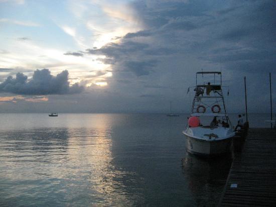 Occidental Grand Cozumel: Dive boat, sunset, dock.