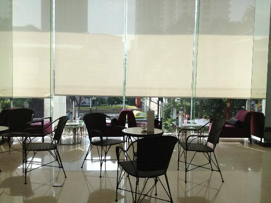 SilQ Bangkok Hotel: Lobby