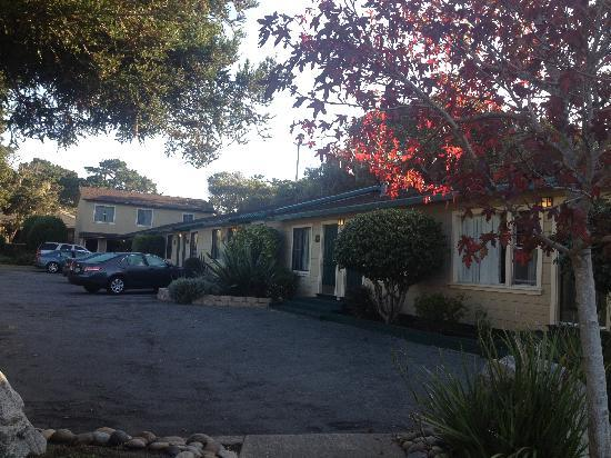 Monterey Peninsula Inn: Morning