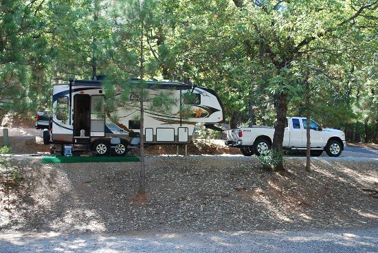Gold Country Campground and Resort: Deluxe RV site #77