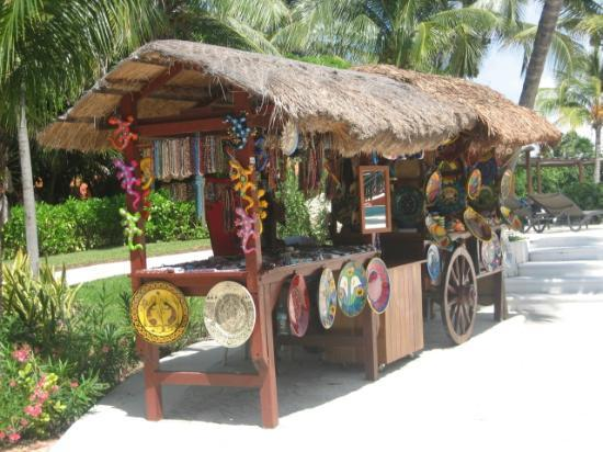 Catalonia Playa Maroma: Near the pool area-little shop