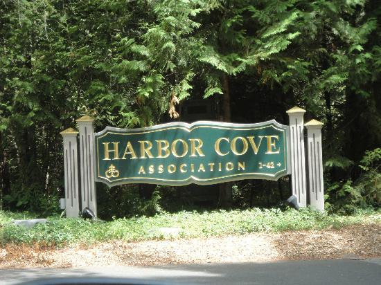 Harbor Cove Condominiums: Entry to section of complex where timeshares are located