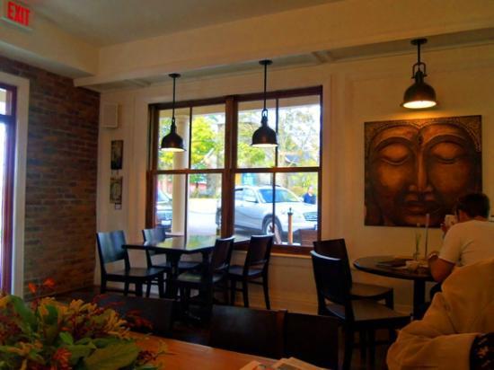 Alice's Village Cafe : Interior decor