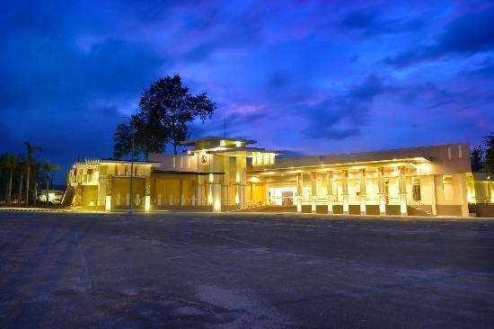 Widus Hotel and Casino: Widus Convention Center Facade