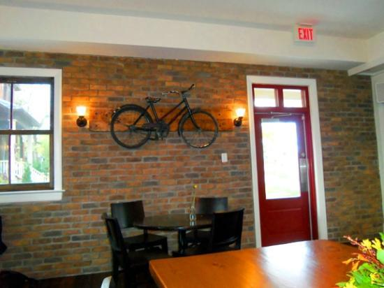 Alice's Village Cafe : Bicycle art