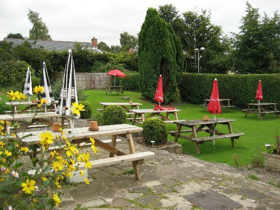 The Hostelrie at Goodrich Restaurant: Garden at The Hostelrie at Goodrich