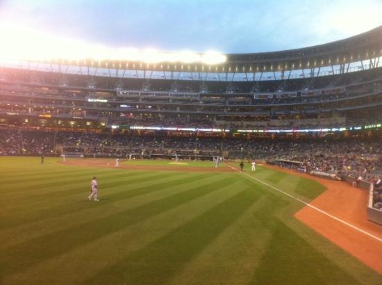 Minneapolis, MN: Twins vs. KC -Target Field, Mpls MN -Sept 2012