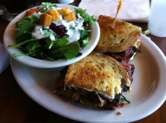 Goleta, CA: Pastrami Sand (special of the day), w/salad... damn good!