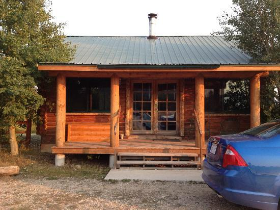Bar-N-Ranch: Front of cabin