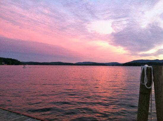 ‪ولفيبورو إن: Sunset from Wolfeboro town wharf