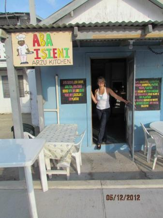 Caye Casa: Local Eatery- delicious and inexpensive