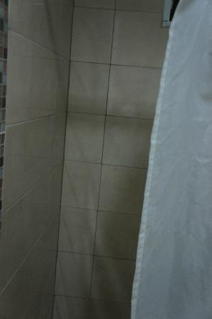 La Hostal Colonia: Shower