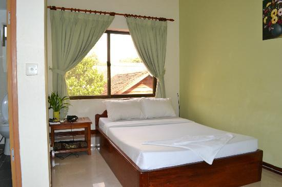 Avie Moriya Villa: room cleaning is done everyday in the morning, except of course if you are in the room