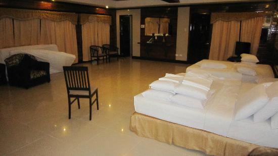 Dumaluan Beach Resort: Suite Room