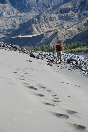 Echo Valley Ranch & Spa: sand dunes on the Fraser River