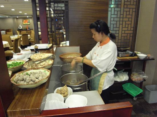Lake Side Hotel: 朝食(フォー)