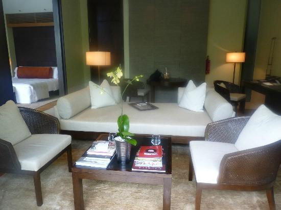 Capella Singapore: living area of the villa