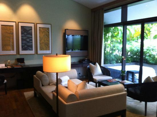 Capella Singapore: great living room of our villa