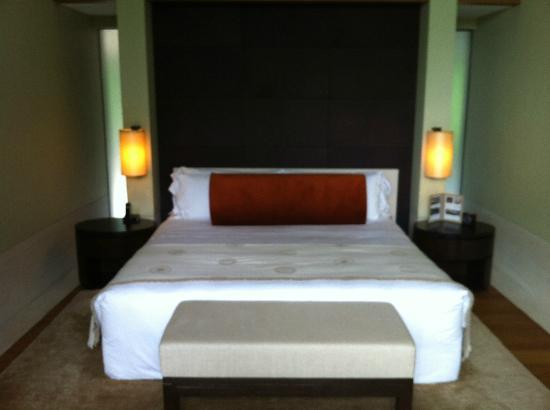 Capella Singapore: the ultra comfy bed