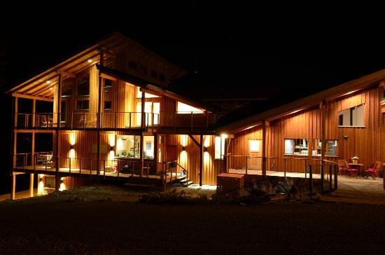 Myra Canyon Ranch B&B: Expanded home @ night