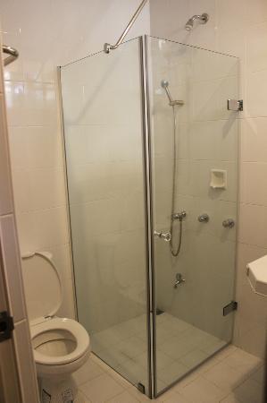 Stingray Beach Inn : bathroom