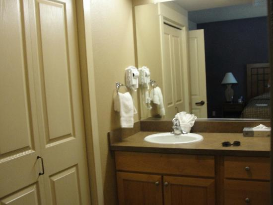WorldMark Windsor: Master bath
