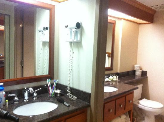 BEST WESTERN PLUS Port O'Call Hotel: Bathroom