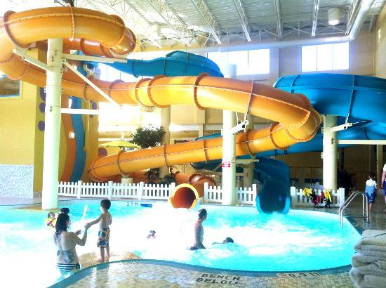 BEST WESTERN PLUS Port O'Call Hotel: Great water slides!