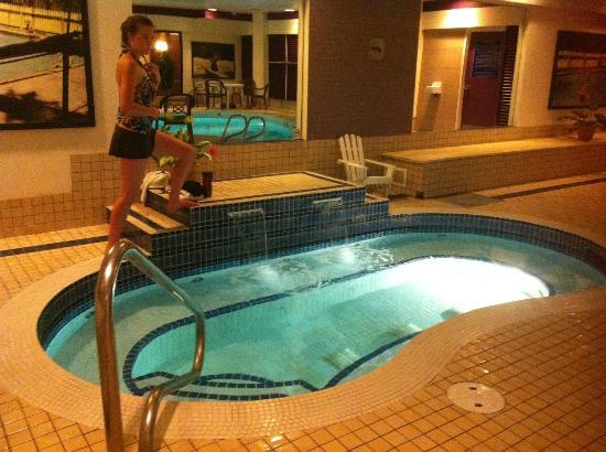 BEST WESTERN PLUS Port O' Call Hotel : Downstairs hot tub, just off workout room