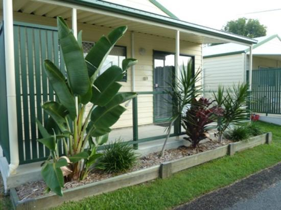 Fraser Coast Top Tourist Park: Deluxe Cabins