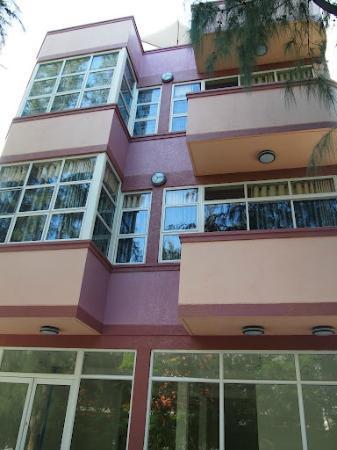 Hotel Elite Inn : Exterior