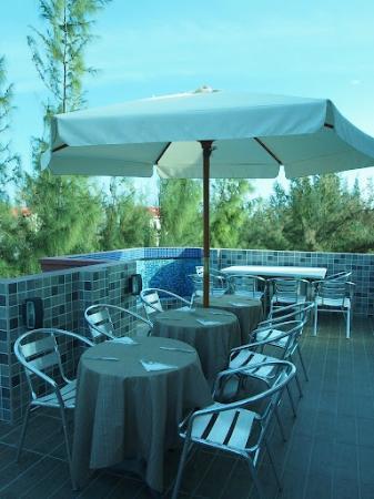 Hotel Elite Inn : Breakfast at Roof