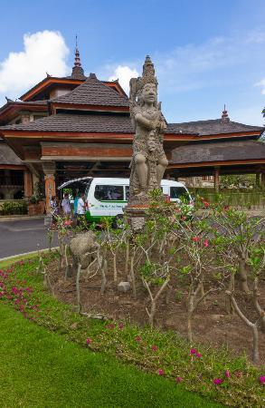 The Jayakarta Bali Beach Resort: Main Entrance